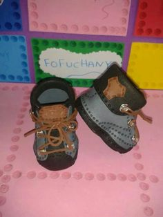 Zapatos fofuchas Baby Shoes, Barbie, Kids, Clothes, Anchor, Crafts, Fashion, Shoes, Cute Flats
