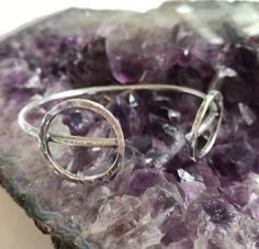 Simplicity comes packed in circles and rafinament. Diamond Jewelry, Silver Jewelry, Silver Rings, Unique Bracelets, Unique Jewelry, Bracelet Making, Handcrafted Jewelry, 925 Silver, Wedding Rings