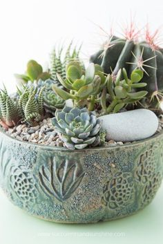 Beautiful pottery by Susan Aach - There are some really unique succulent gift ideas in this post! I know what to put on my list now!