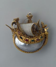 Pendant: Caravel. Place of creation: Italy (?). Date: Late 16th century. Material: gold, rubies, emeralds and pearls. Technique: chased, engraved and enamelled.