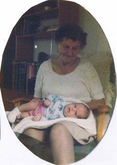 Er tiden det eneste som hjelper mot sorg? Det er allerede åttende februar og om tre måneder er det 1 år siden Daniel døde. Da jeg var i Tyskland fikk jeg noe som jeg kanskje kan beskrive som rier, emosjonelle rier. Små hikst dukket uventet opp i meg og jeg så igjen alt det gikk …