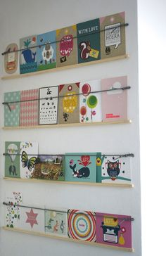 this would be cute for books in a classroom. Book Sling, Postcard Display, Prospectus, Craft Fair Displays, Ikea, Display Shelves, Craft Fairs, Home Accessories, Kids Room