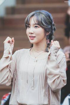 Taeyeon silver hair