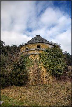 Panoramio - Photos by michel chanaud ♥ Panoramio > Pigeonniers de Dordogne