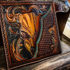 Guy Makes Some Awesome Hand-Tooled Leather Wallets and Billfolds - Ftw Gallery Diy Leather Stamp, Leather Diy Crafts, Leather Craft Tools, Leather Art, Leather Gifts, Leather Projects, Custom Leather, Leather Design, Leather Tooling