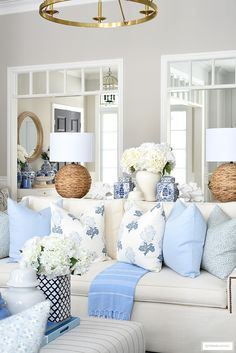 Blue And White Living Room, Blue And White Pillows, Blue Pillows, Beach Living Room, Coastal Living, Pillow Room, Fashion Room, White Decor, Living Room Inspiration