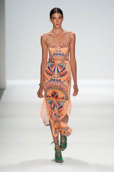 Mara Hoffman Spring 2014 at Mercedes-Benz Fashion Week Style Couture, Couture Fashion, Runway Fashion, Boho Fashion, Fashion Looks, Fashion Design, Petite Fashion, Dress Fashion, Ny Fashion Week
