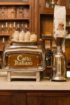 Great ways to make authentic Italian coffee and understand the Italian culture of espresso cappuccino and more! Coffee Shop, I Love Coffee, Coffee Art, Coffee Break, My Coffee, Coffee Drinks, Coffee Cups, Coffee Lovers, Morning Coffee