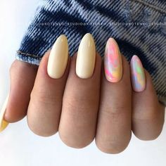 Hot Almond Nails Art Ideas For Summer - Nail Art Connect Not everyone likes dramatic nails. If you like your nails to be slender and beautiful, the best choice is almond Opal Nails, Toe Nails, Pink Nails, Shellac Nails, Nail Manicure, Almond Nail Art, Cute Almond Nails, Best Acrylic Nails, Dream Nails