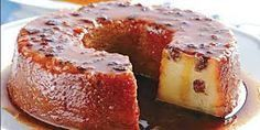 PUDIM DE PÃO COM UVA PASSA Köstliche Desserts, Delicious Desserts, Dessert Recipes, Yummy Food, Portuguese Desserts, Portuguese Recipes, Portuguese Food, Trifle Pudding, Sweet Pie