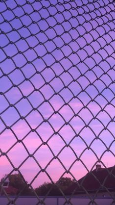 May 2020 - PURPLE AESTHETIC /// purple / pink / inspiration / neon colors / neon cities / city light / purple Violet Aesthetic, Dark Purple Aesthetic, Lavender Aesthetic, Aesthetic Colors, Aesthetic Pictures, Aesthetic Light, Aesthetic Vintage, Purple Aesthetic Background, Aesthetic Painting