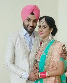 Sikh Wedding, Punjabi Wedding, Wedding Couples, Indian Wedding Couple Photography, Photography Couples, Sweet Couples, Punjabi Couple, Punjabi Suits, Wedding Photoshoot