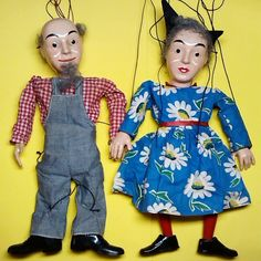 Hazelle's Marionettes No. 813 Pa Yokel and No. 814 Ma Yokel arrived yesterday. These are pretty hard to find, because they were available only one year, 1958.