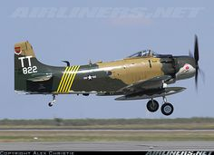 Douglas A-1D Skyraider aircraft picture