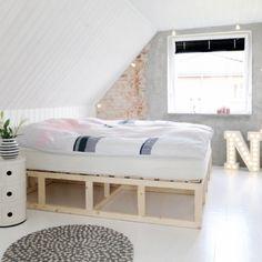 Seletti Vegaz Letter in the bedroom - Nice!