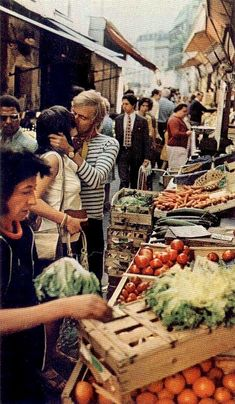 "Kiss me in Paris! (National Geographic, 1972 ""Young Lovers In Paris"") Kiss Him Not Me, We Are The World, Shopping Day, All You Need Is Love, Belle Photo, Farmers Market, Produce Market, At Least, Romance"