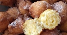 Hozzávalók : - 25 dkg liszt - 25 dkg túró - 3 db tojás - 1 tk. szódabikarbóna ( vagy sütőpor ) - 1 csipet só - 175 g tejföl - ... Muffin, Sweets, Breakfast, Food, Morning Coffee, Gummi Candy, Candy, Essen, Muffins
