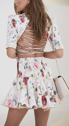 Criss cross back,floral dress