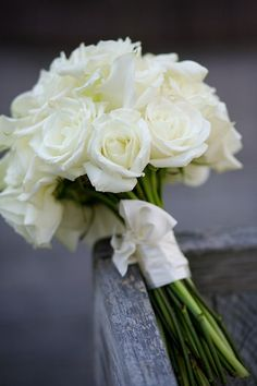 classic white rose bouquet | Libby McGowan Photography | The Lovely Find