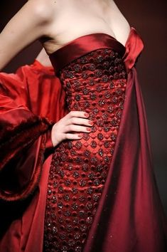 Georges Hobeika blood red gown for Melisandre