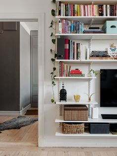 Amazing Bookcases For Your Living Room - - Amazing Bookcases For Your Living Room - fainhomes Living Room Designs, Living Room Decor, Living Spaces, Bookshelves For Small Spaces, Kirkland House, Home Interior, Interior Design, Cool Kids Bedrooms, Home Office Decor