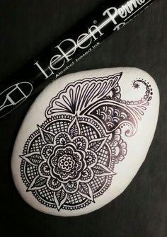 ••• Alaska Art Stones ••• Another freehand design! Permanent LePen on latex painted Alaska river rock.