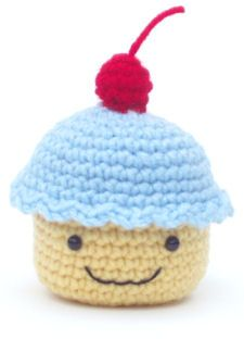 crochet cupcake... Pam & Steve... I'm gonna need y'all to make me some of these!! (or some serious lessons!)