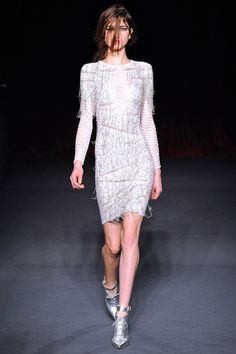 Julien Macdonald Fall 2013 Ready-to-Wear Collection Slideshow on Style.com