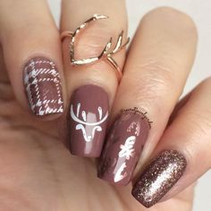 Because these plaid rose gold deer nails deserve another look 💖🦌 (Details some posts back) Plaid Nail Designs, Acrylic Nail Designs, Nail Art Designs, Acrylic Nails, Nails Design, Xmas Nails, Christmas Nails, Blue Christmas, Matte Nails Glitter