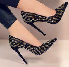 Pump Shoes, Women's Shoes, Me Too Shoes, Shoe Boots, Footwear Shoes, Dress Shoes, Dress Outfits, Dress Ootd, Lace Shoes