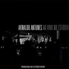 J'ai découvert Arnaldo Antunes via sa collaboration avec Marisa Monte e Carlinho Brown au projet Tribalistas (2003). J'ai particulièrement été impressionné par sa performance de chanteur et son timbre de voix si particulier (il serre la mâchoire collé...