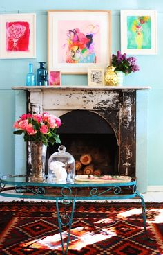paula mills - my home sweet william - fireplace - wall Le Logis, Deco Floral, Eclectic Decor, Funky Decor, Eclectic Style, Dream Decor, Home Decor Inspiration, Home And Living, Living Room