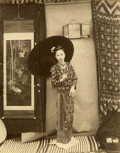 Felix Beato - Burmese Beauty with Parasol