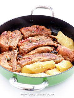 Piept de porc in bere • Bucatar Maniac • Blog culinar cu retete Pork Recipes, Bread Recipes, Cooking Recipes, Jacque Pepin, Romanian Food, Tasty, Yummy Food, Bacon, Food And Drink