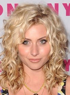 What do I tell my hairdresser: I want Alyson Michalka's curly hair cut?