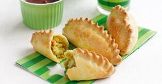 pasties These classic bakery favourites will never go astray with hungry young 'uns around!These classic bakery favourites will never go astray with hungry young 'uns around! Vegetable Pasties, Vegetable Pie, Vegetable Recipes, Snack Recipes, Cooking Recipes, Snacks, Easy Cooking, Healthy Recipes, Vegetarian Pasties