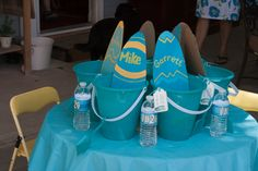 Table at a Surfs Up Party #surfsup #partytable