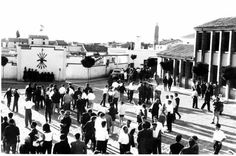 PLAZA toros SALIDA fondo piscina Muniesa (Teruel)