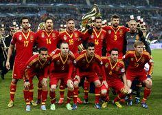 """Selecionado Nacional, la """"Furia Roja"""". Actualmente campiones de la Copa Mundial y la Eurocopa."""