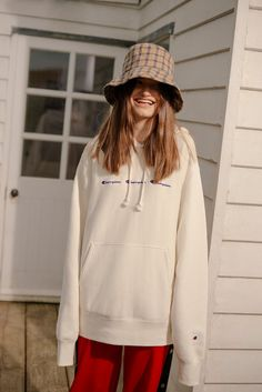 Champion Cream Logo Hoodie | Urban Outfitters | Women's | Tops | Hoodies & Sweatshirts #UOEurope #UrbanOutfittersEU #UOExclusives