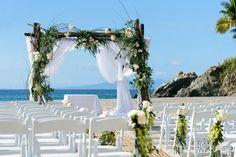 Wedding bliss in Puerto Vallarta (Photo via Ave Sol Photography)