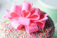 How to make a sugarpaste looped bow