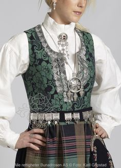 Nordmørsbunad til dame - BunadRosen AS Folk Costume, Costumes, Norway, Scandinavian, Vest, Jackets, Outfits, Clothes, Dresses
