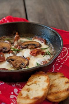 Mushroom, Sun Dried Tomato & Mozzarella Dip