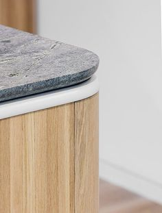 Natural Oak Ravine and curved bench-tops are a growing trend in home design! Interior Architecture, Interior Design, Architecture Details, Interior Detailing, Kitchen Interior, Kitchen Design, Cool Furniture, Furniture Design, Design Desk
