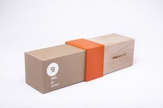 76 Sustainable Packaging Designs - From Flexible Eco Packaging to Leafy Lighthearted Branding (TOPLIST) Packaging Carton, Wood Packaging, Shirt Packaging, Cardboard Packaging, Brand Packaging, Simple Packaging, Packaging Boxes, Cookie Packaging, Design Packaging