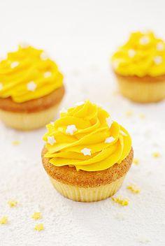 cupcake meringué au citron et pépites de chocolat