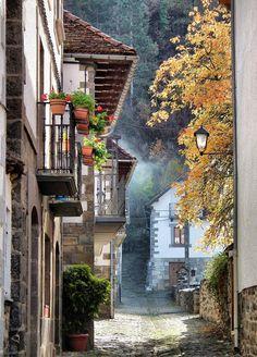 Ochagavia, Spain