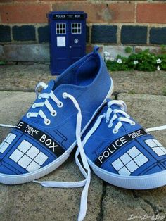 I need a pair of blue keds so i can do this!