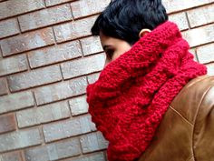 Ravelry: Chutes Cowl - Bulky pattern by DesiLoop